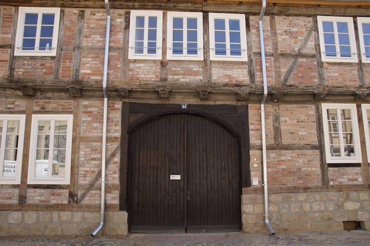 Fachwerkresidenz Deuterscher Hof: FeWo Wurmloch