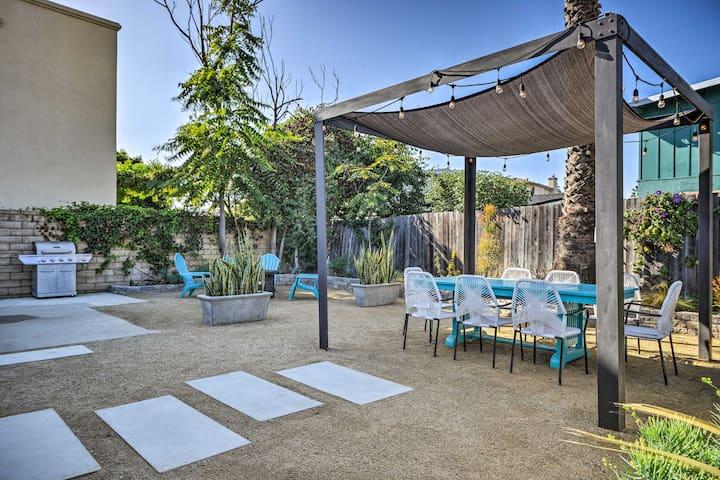 Remodeled Ventura Beach Home with Yard & Fire Pit!