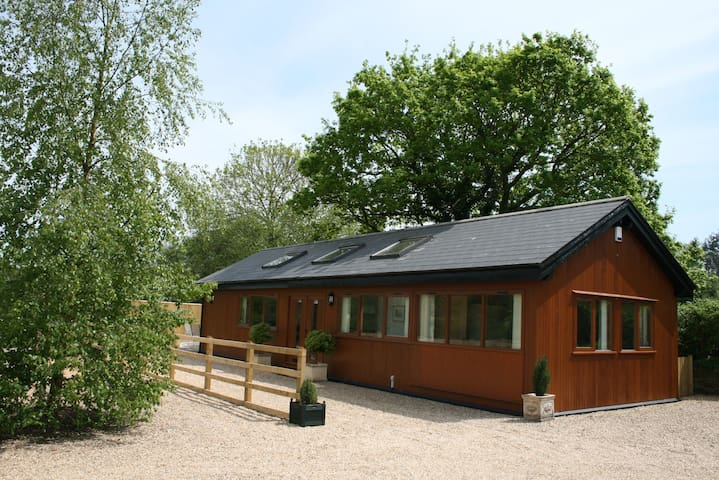Rural Holiday Lodge close to Longleat - Wiltshire