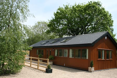 Rural Holiday Lodge close to Longleat - Wiltshire - Alpehytte