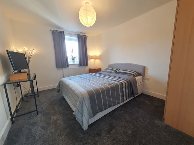 Double Bedroom in Cozy Flat in Exeter