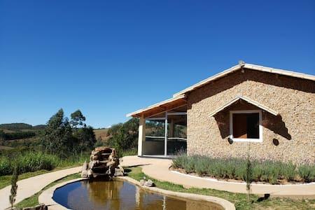 Casa no alto da serra