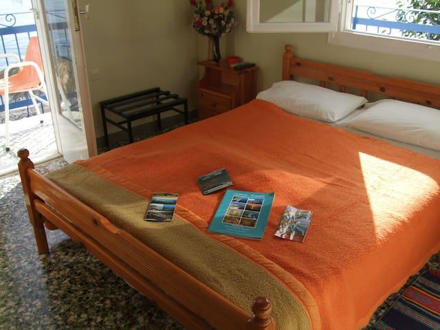 Ξενοδοχείο Τσακωνιά - Hotel Tsakonia