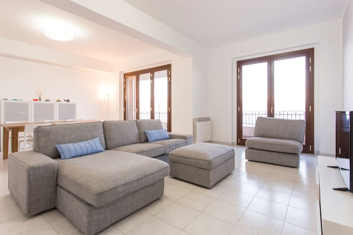 Sea view apartment 110m² (360ft) - Messina - Flat