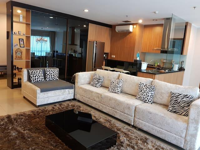 My home in Jakarta (3BR)/Sahid Sudirman Residence