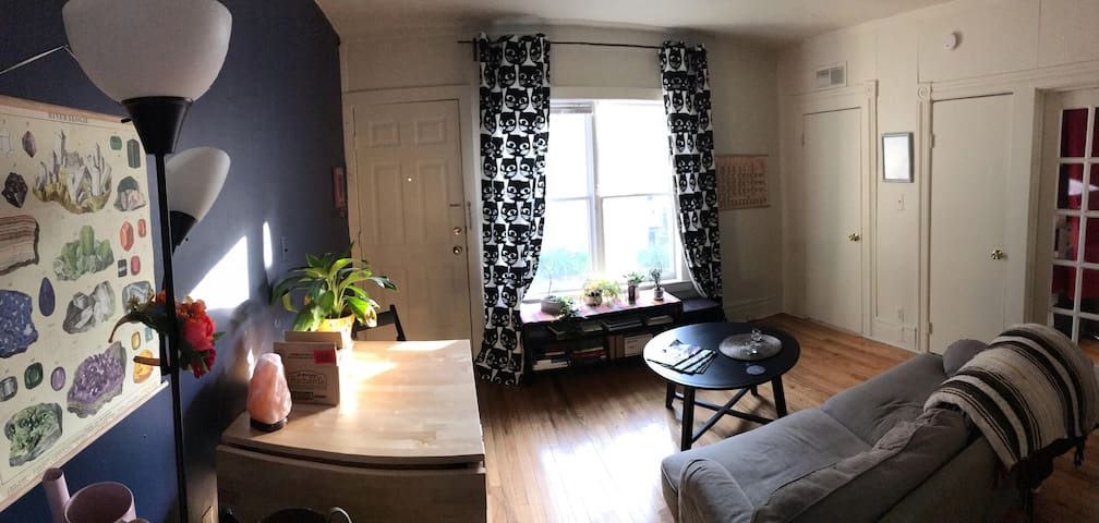 Private room in Kerrytown, 15 min walk to Central