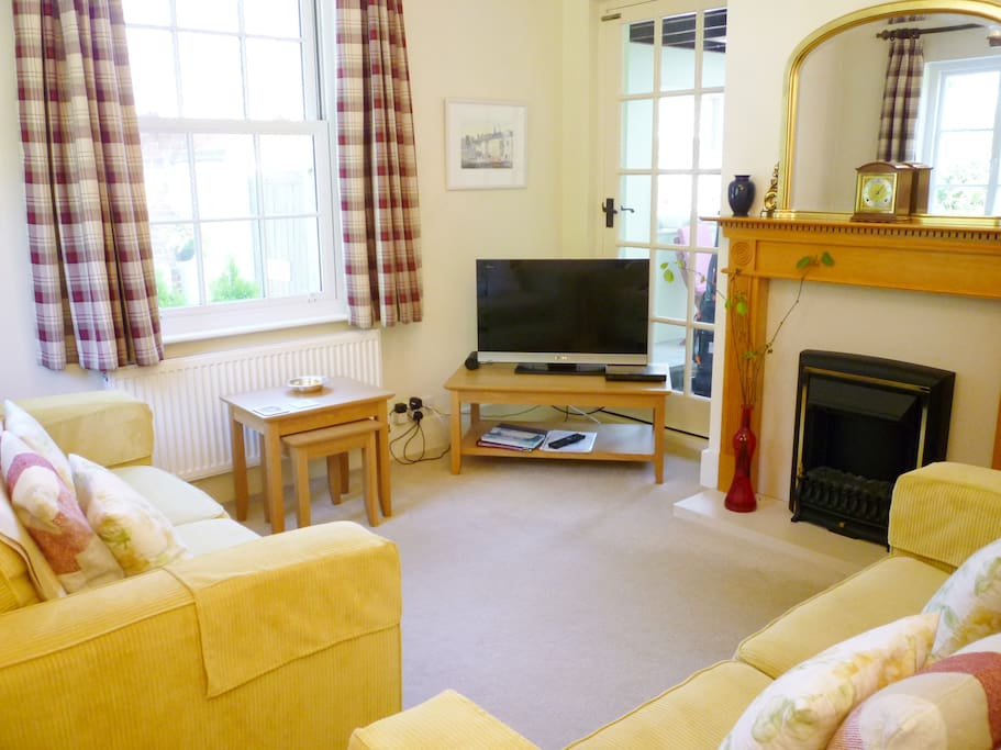 sitting room with TV, DVD player & Bluetooth, Free Wi-Fi