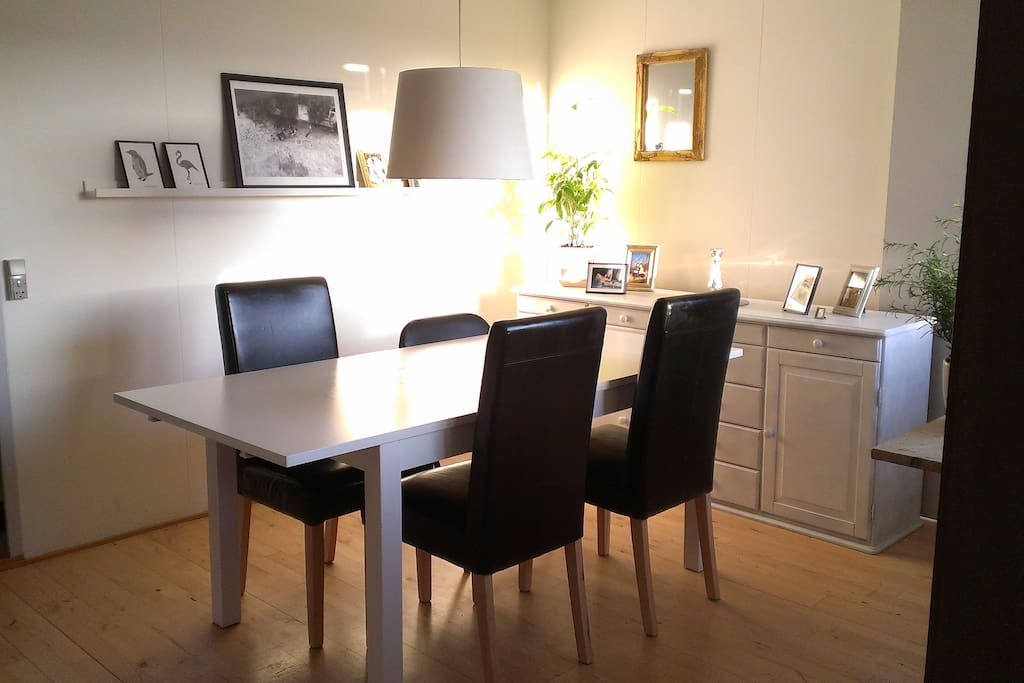 Table can extend to 6 persons. Extra chairs available