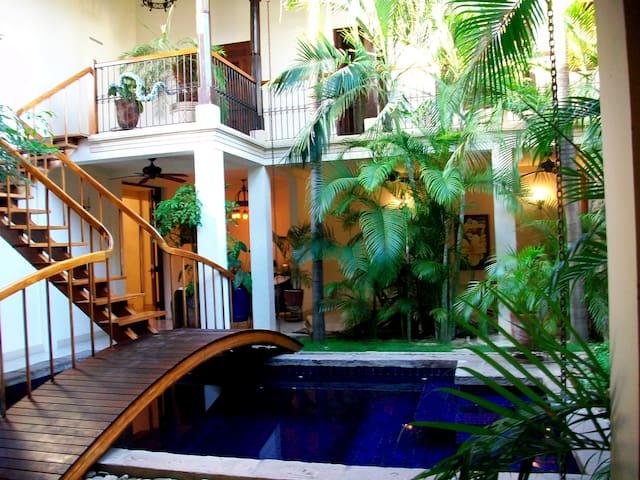 Casa La Sirena, Luxury and Style