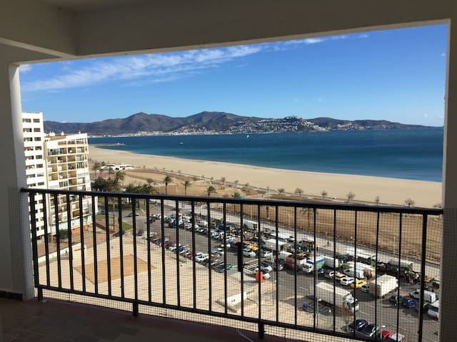 Beautiful Sea View with Balcony - 2 Bedrooms