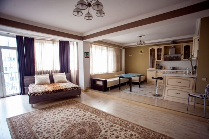 Apartment in Novai street - Almaty - Lägenhet