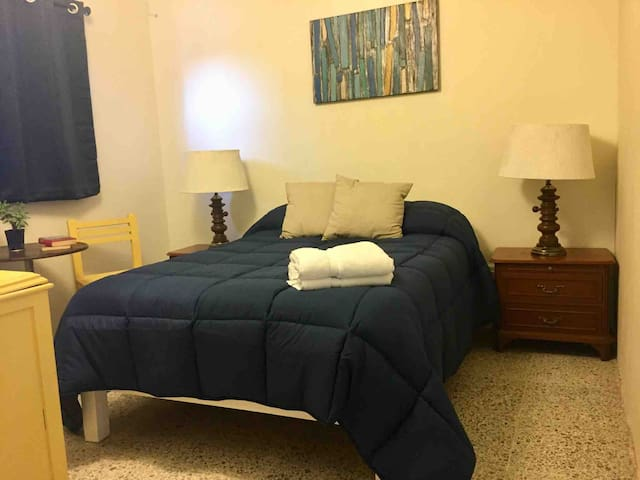 QJ2 ☆ 2P Independent Room ❤️ Near Dwntwn ☆ Parking