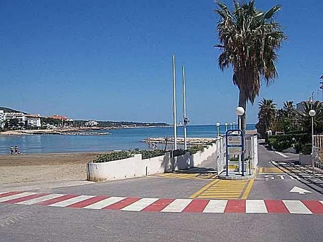 Playa - Entrada urbanización
