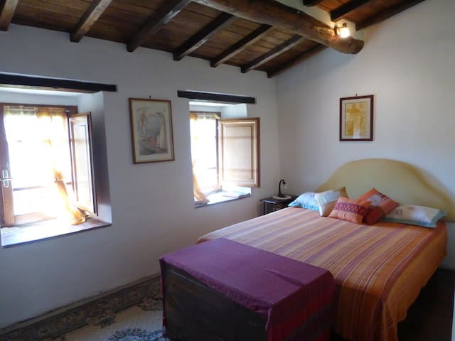 La camera matrimoniale - Double bedroom