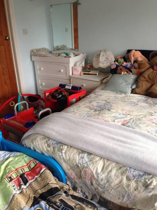 Children's bedroom with double bed