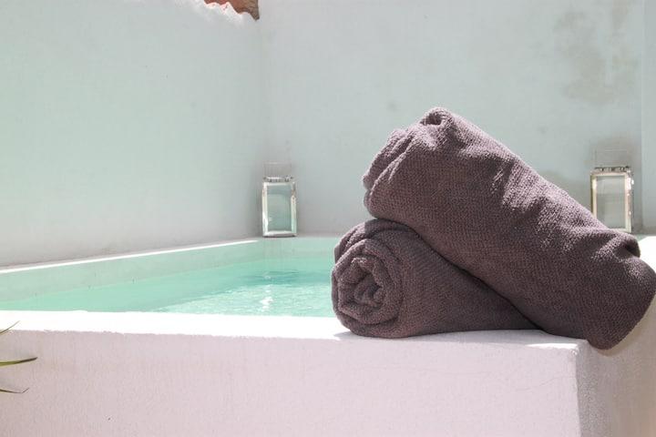 petite maison avec bassin a calvi