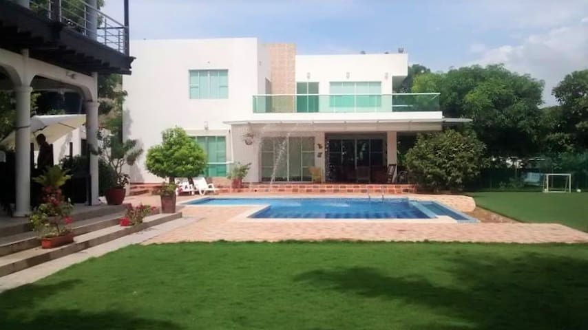 Modern House Villa Viany