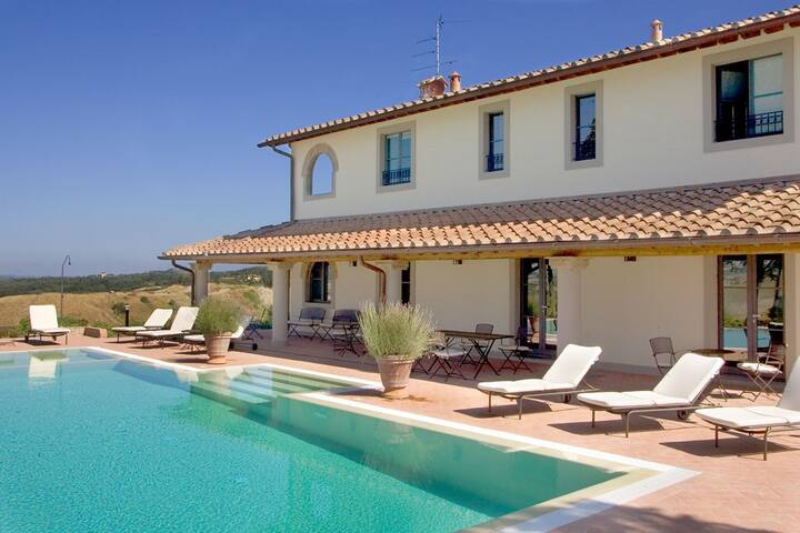 6 bd, terrace, fields, woodlands - Florencia - Villa