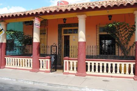 Casa Colonial La Nonna (Habitación 2) - Pinar del Río - Pensió