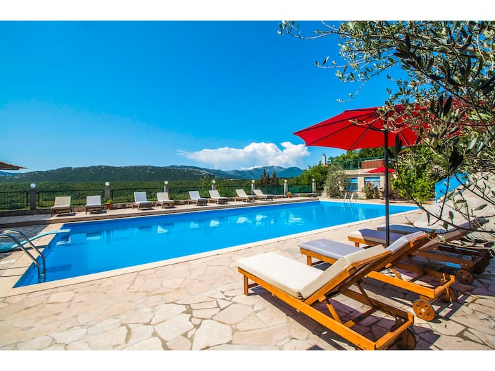 Villa Krnic - Olympic pool, Lounge bar, Party club