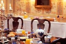 Morgenmad i Den Kinesiske Spisestue