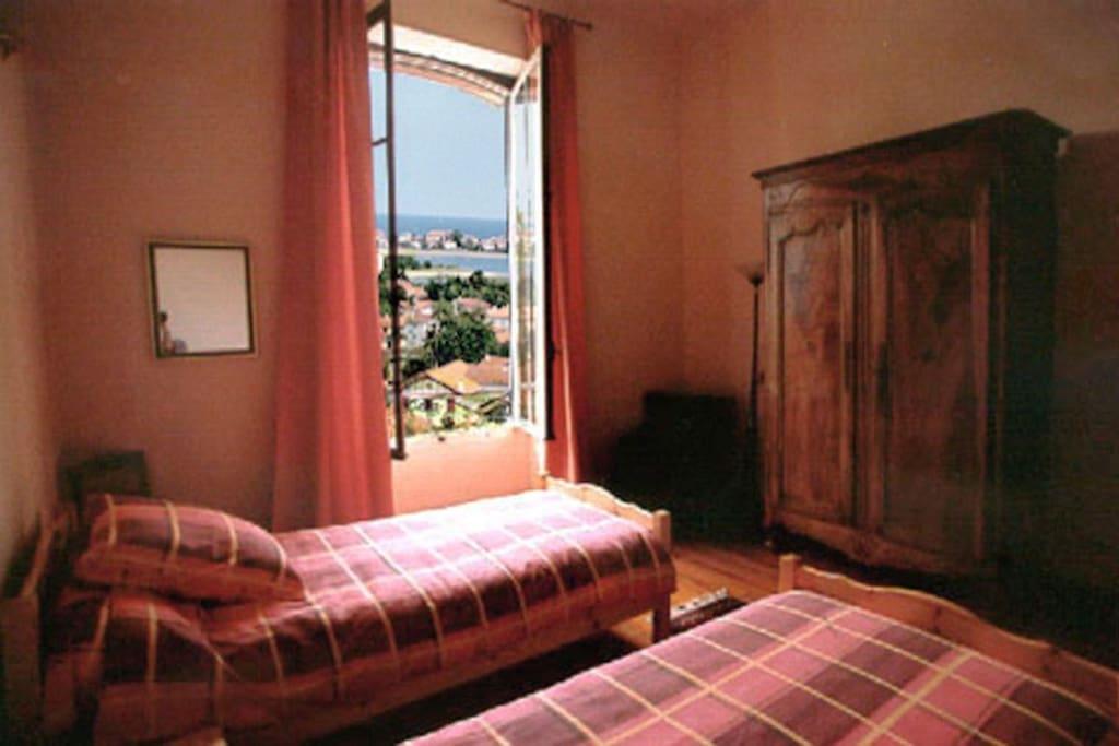 Belle chambre d 39 h tes avec vue chambres d 39 h tes louer for Chambre hote hendaye