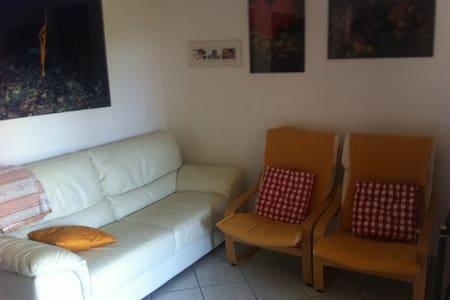 Appartement avec jardin privé - loiri-Porto San Paolo - Apartment