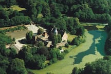 Broholm Slot set fra oven