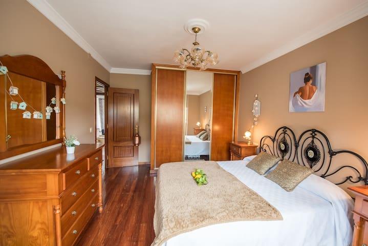 Habitación doble con cama XXL Desayuno incluido