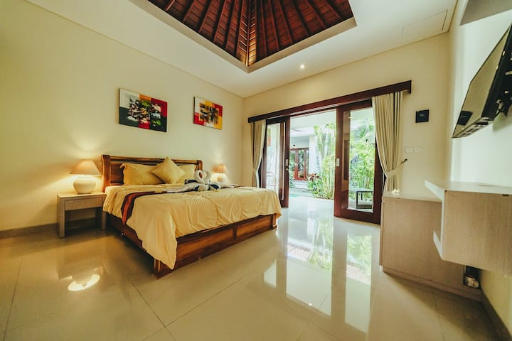 Big, Clean & Quiet Room | Rimba Bird Guesthouse