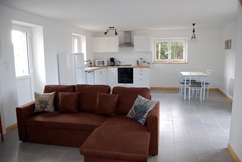 Spacious living room with open plan kitchen/diner