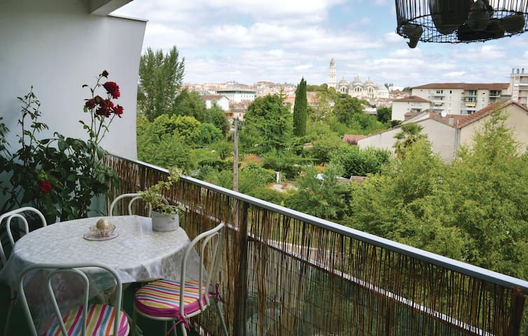 Holiday apartment with 2 bedrooms on 73m² in Périgueux