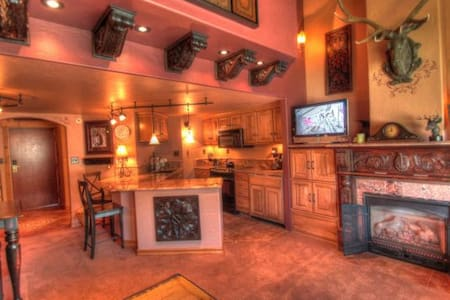 TL504 Elegant Newly Remodled Ski Condo - Copper Mountain