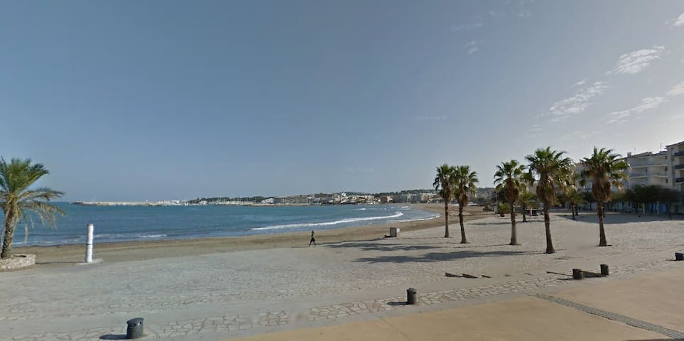 In front of the beach, great views! - L'Escala - Appartement