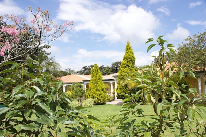Quinta Natura Hotel - Кито - Дом