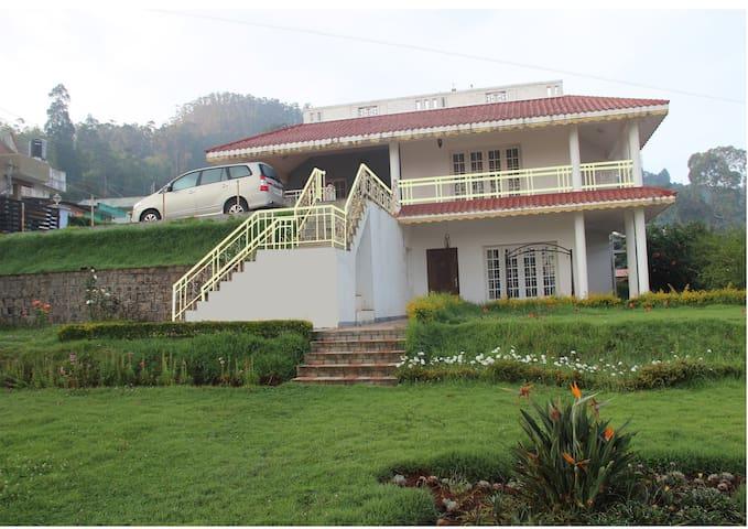 Cozy house overlooking rose garden - Ooty - Maison
