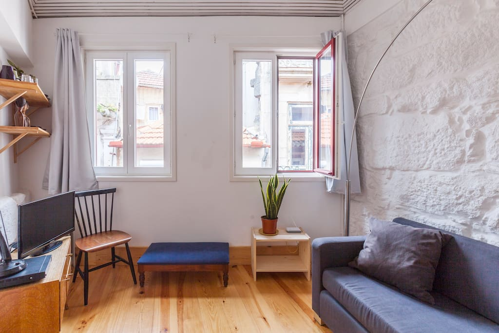 The apartment receives a lot of natural light which is amazing to wake you up.