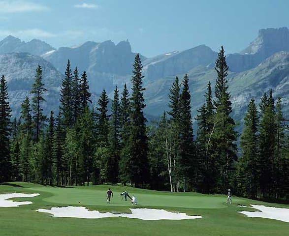 Gateway to the Rockies:  Private Retreat - Calgary - Leilighet