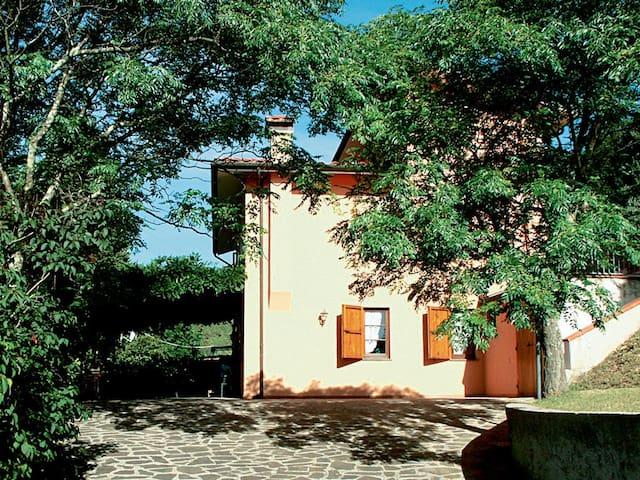 4 bd, farmhouse, beaches, nightlife - Catignano - Villa