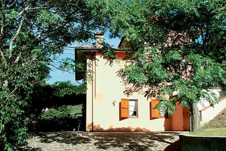 4 bd, farmhouse, beaches, nightlife - Catignano