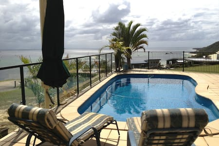 4 Bed/r Luxury Island Accom. for 10 - Tangalooma