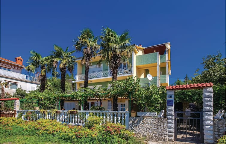 Holiday apartment with 2 bedrooms on 39m² in Crikvenica