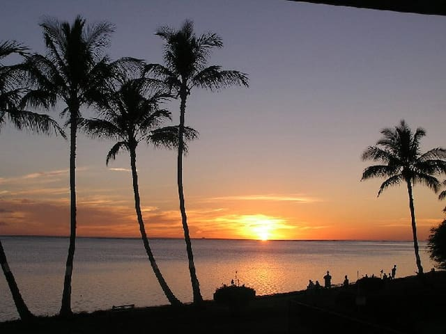 Charming Ocean front condo in Molokai, Hawaii
