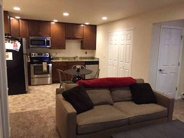 Downtown Lafayette 1BR Apartment B - Lafayette - Appartement