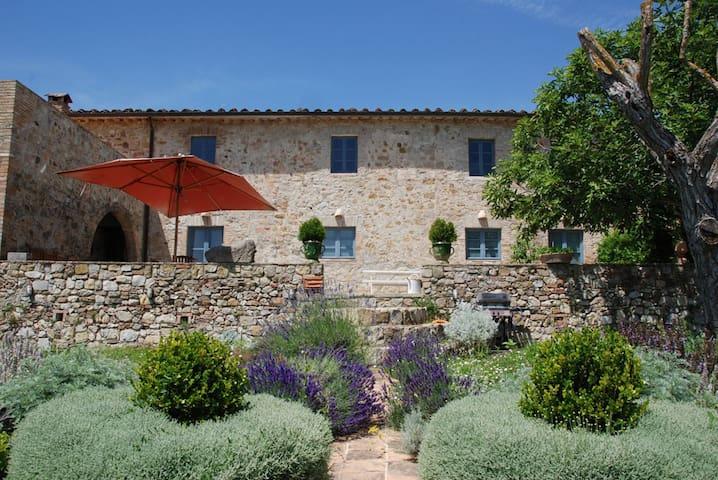 5 bd, sundeck, fireplace, pool - Poggibonsi - Villa