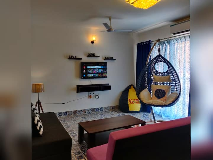 [New] Pool Facing AC 1*BHK @Siolim + WFH Setup