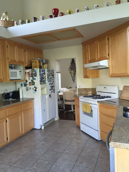 Kitchen fully equipped with a microwave, stove, dishwasher etc.