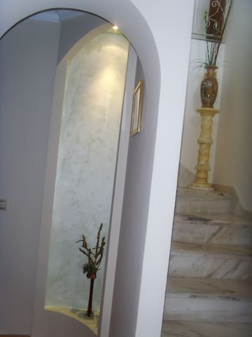 Staircase and decoration-niche fr. the Hall floor 2
