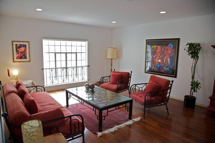 NEW! Beverly Hills Luxury 1 Bedroom