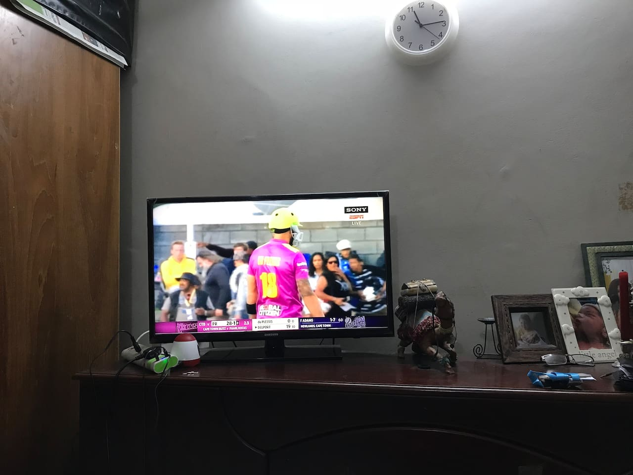 TV with cable and free WIFI